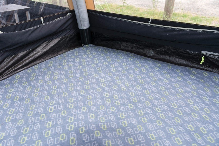 Kampa Travel Pod Tailgater Air Insulated Fleece Carpet