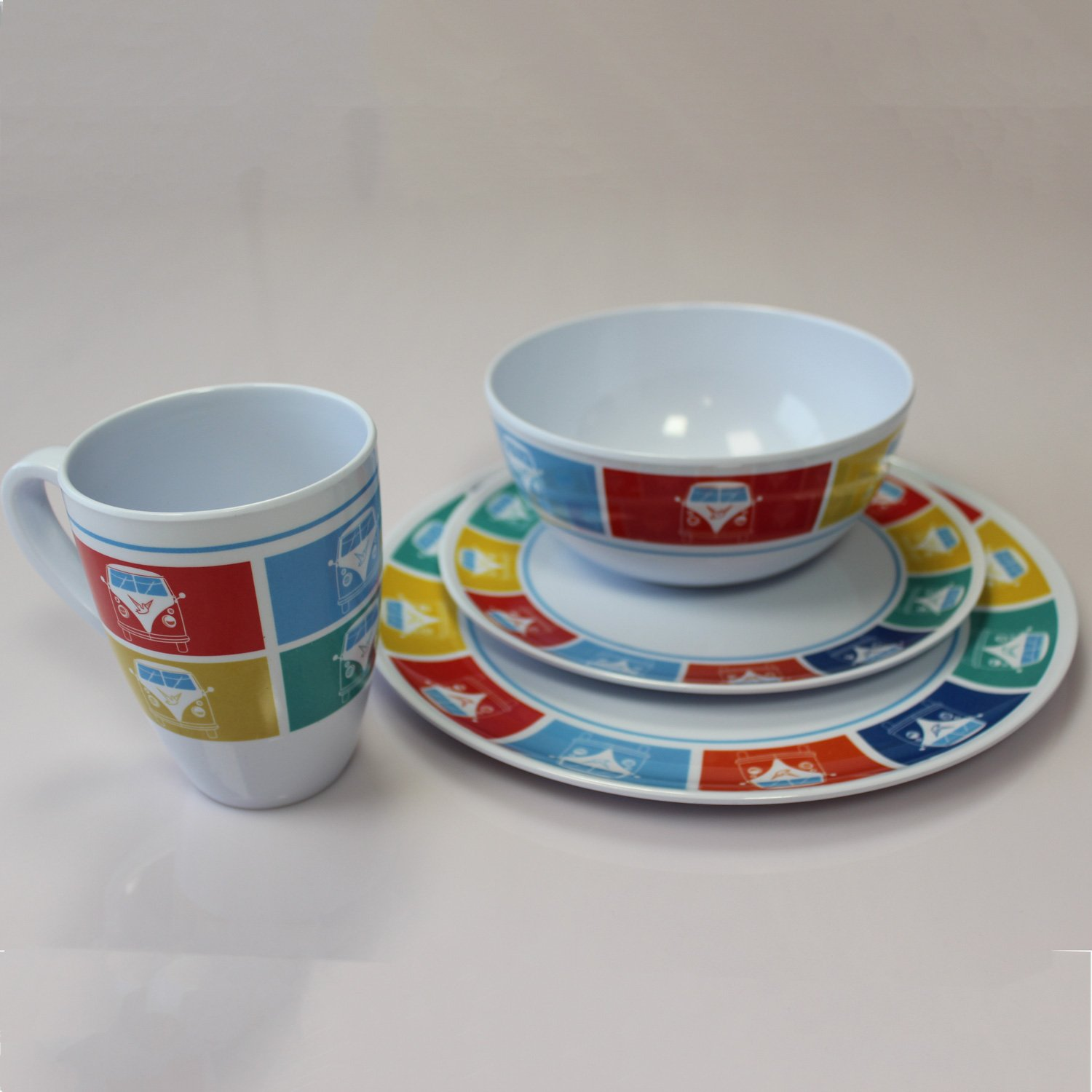 Outdoor Revolution Melamine Tableware (Retro Camper Design)
